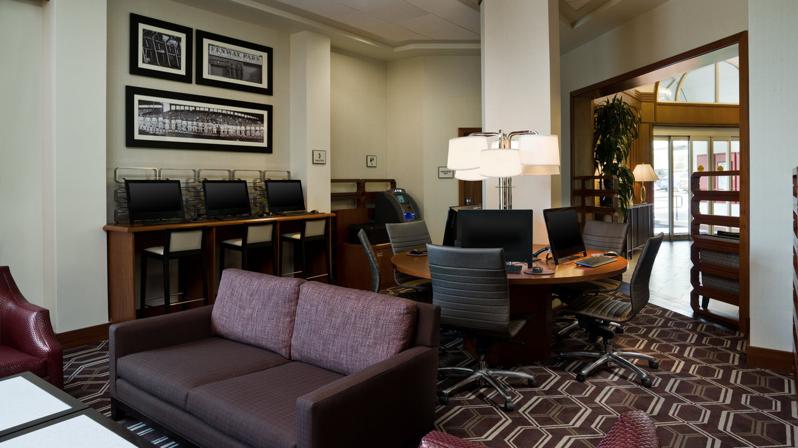 Boston College Hotel | Lobby featuring the Link @ Sheraton experienced with Microsoft®